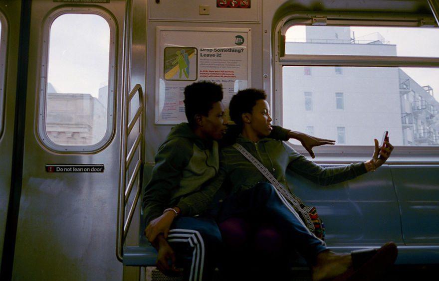 passion between couples 5a84c5f0013ac - Публічні прояви почуттів:  Фото жителів Нью-Йорка - Заборона