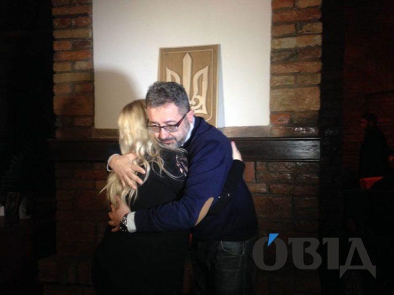 25032018 news maty polyaka 2 - Полька купила і почепила тризуб в Тернополі. Попередній спалив її син - Заборона