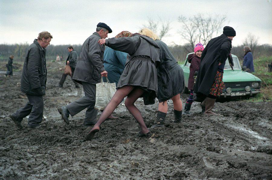 Lugansk 1996 276 2 - «Пасха»: Луганські традиції в об'єктиві Олександра Чекменьова - Заборона