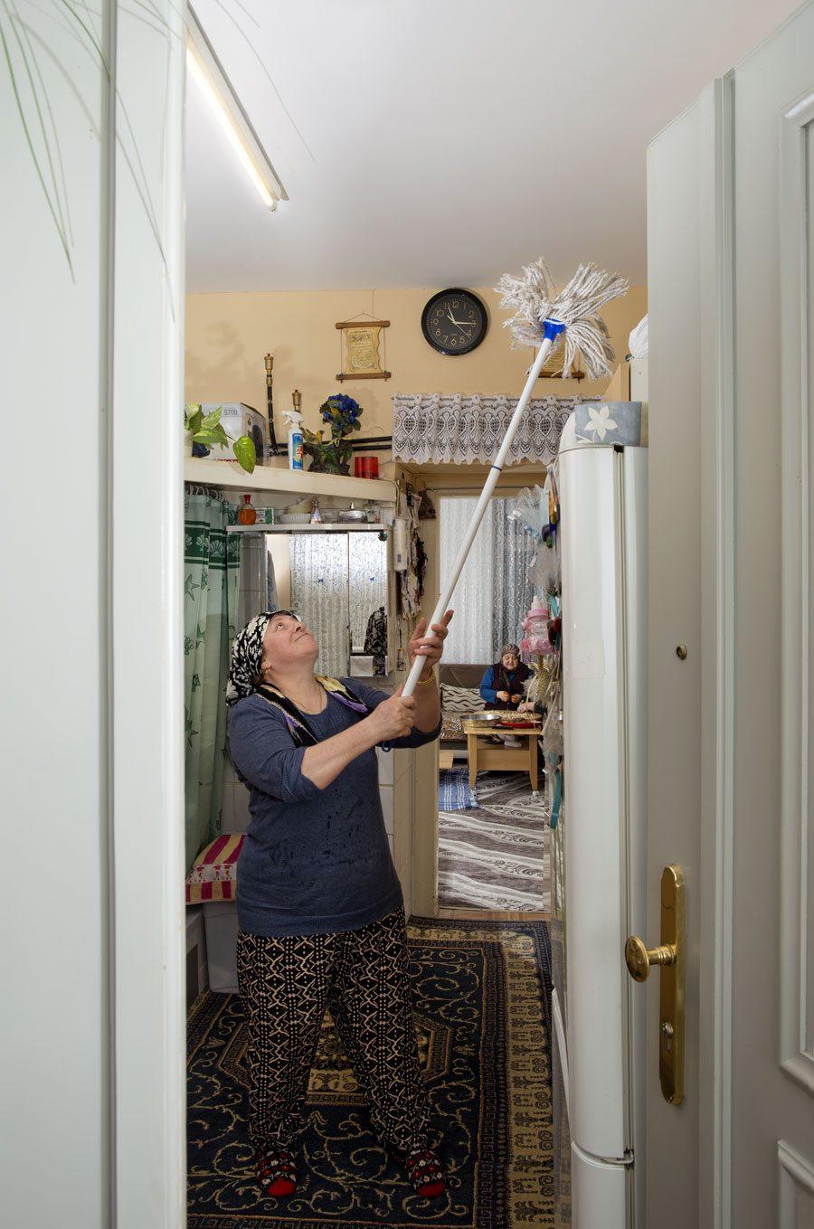 kati Cemile Kordon ret 70x105 cm 240dpi - «Вхід заборонено»: Головні роботи фестивалю Odesa Photo Days - Заборона