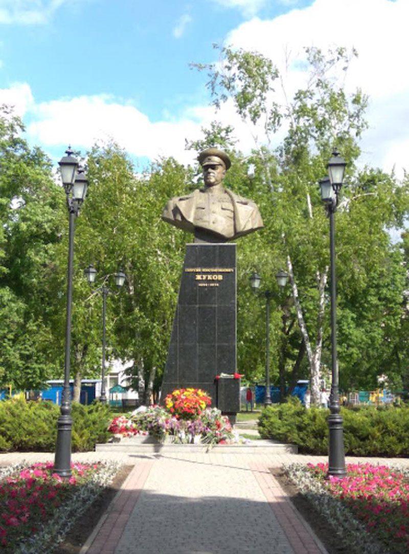 07052018 news 5 - В Харкові «декомунізували» пам'ятник Жукову. Кернес проти - Заборона