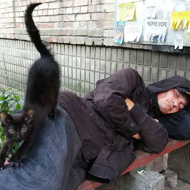 20687922 503044963368596 912248120207736832 n - «Сука-життя»: Жителі вулиць Києва в Instagram - Заборона