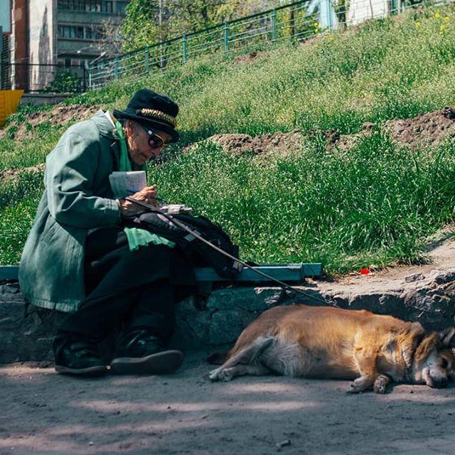 30953961 208537979748583 6779100754222252032 n - «Сука-життя»: Жителі вулиць Києва в Instagram - Заборона