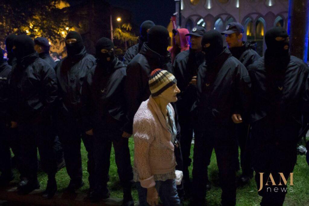 32258101 1818736281498082 8530712516316102656 o 1024x683 - Рейв під парламентом: Як у Тбілісі борються за улюблений клуб - Заборона