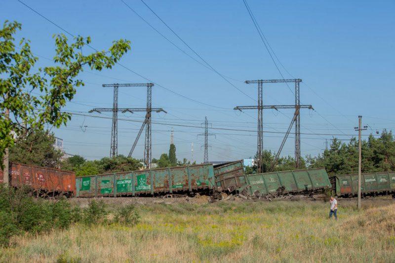 19062018 news 6 1 - У Дніпрі з рейок зійшов потяг. Винні крадії колії - Заборона