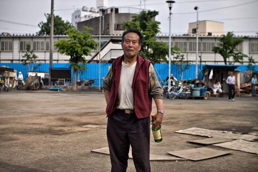 11 5 5b51d728951a6  880 - Бідні, щасливі та п'яні: як живуть мешканці японських нетрів - Заборона