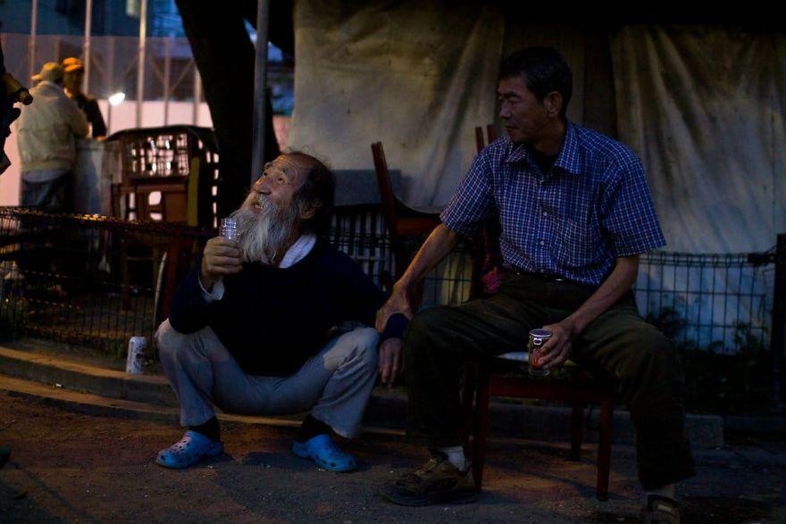 13 4 5b51d72d7d446  880 - Бідні, щасливі та п'яні: як живуть мешканці японських нетрів - Заборона