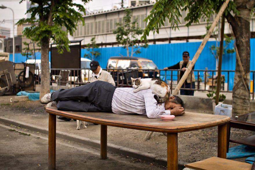 2 6 5b51d710b6dfa  880 - Бідні, щасливі та п'яні: як живуть мешканці японських нетрів - Заборона