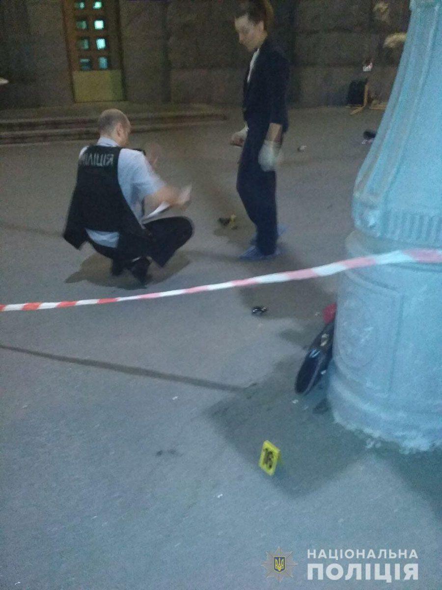 20082018 news 2 4 - У Харкові стріляли біля міськради. Загинув поліцейський. Детально - Заборона