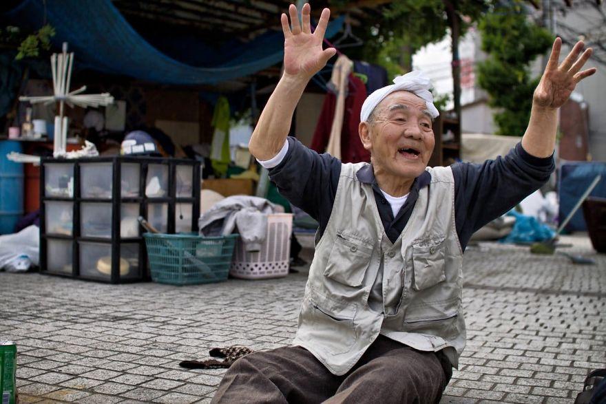 9 3 5b51d72397c1f  880 - Бідні, щасливі та п'яні: як живуть мешканці японських нетрів - Заборона
