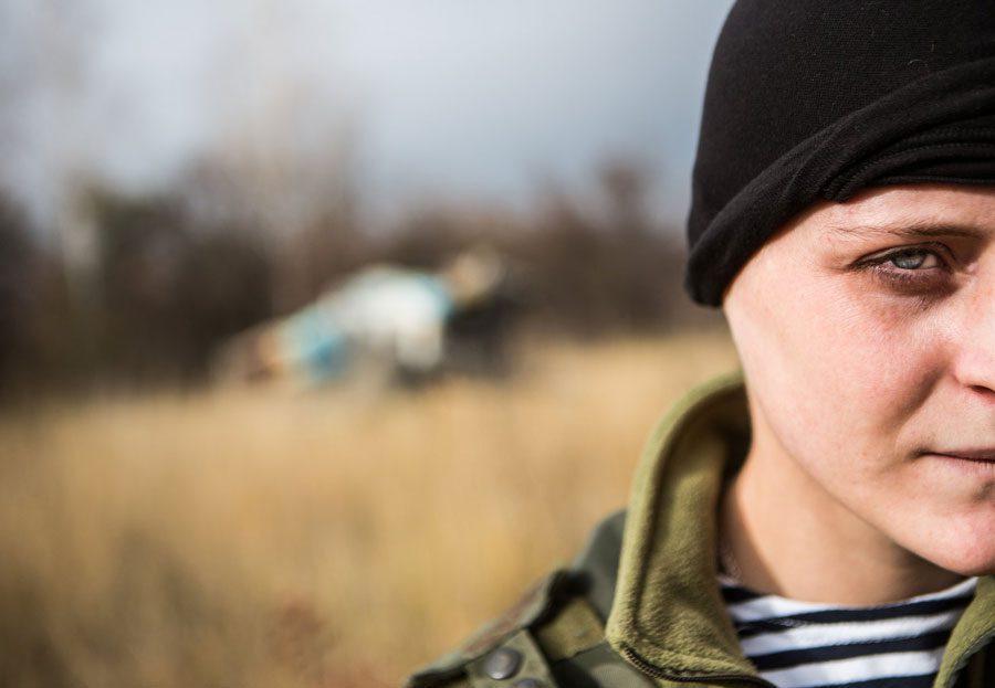 tesinsky 17 - Чеський фотожурналіст показав жінок на війні в Україні - Заборона