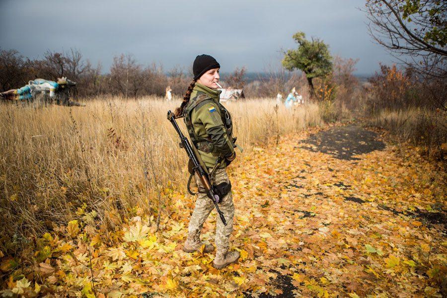 tesinsky 18 - Чеський фотожурналіст показав жінок на війні в Україні - Заборона