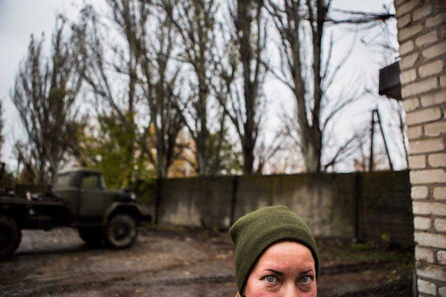 tesinsky 5 - Чеський фотожурналіст показав жінок на війні в Україні - Заборона