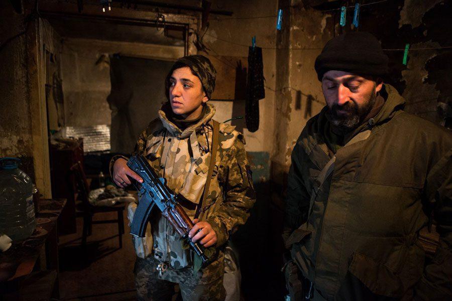 tesinsky 9 - Чеський фотожурналіст показав жінок на війні в Україні - Заборона