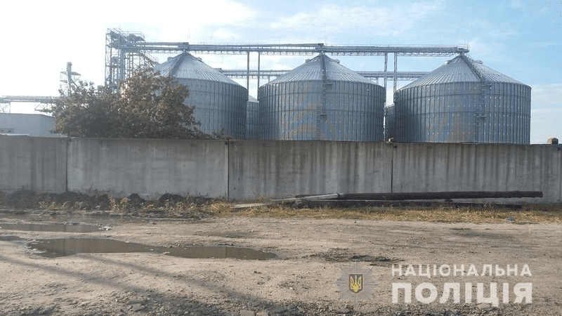 13902 main - У Харківській області екс-військові намагалися захопити елеватор - Заборона