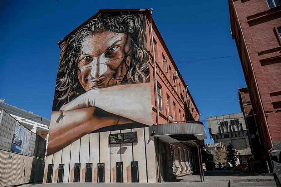 631a9824 - Стріт-спам у великому місті. Чи заговорить вуличне мистецтво, якщо його зафарбувати? - Заборона