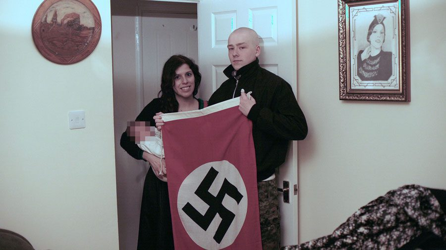 13112018 news 1 4 - У Британії затримали неонацистів. У них знайшли форми для випікання у вигляді свастики - Заборона