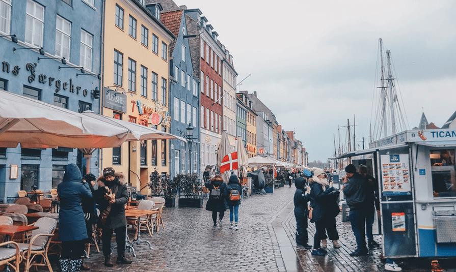 22122018 news 3 2 - Тепер, щоби отримати громадянство Данії, треба потиснути руку меру. Навіть тим, кому не дозволяє релігія - Заборона
