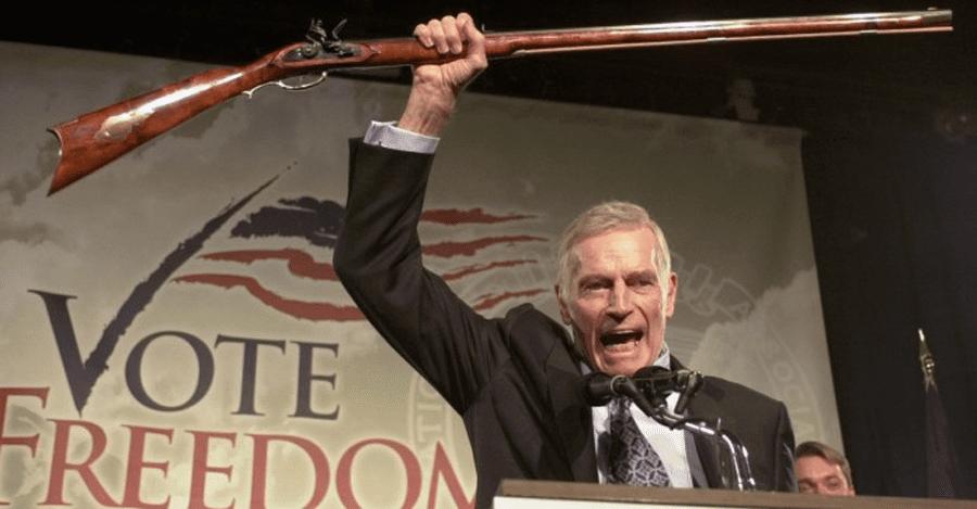 04012019 news 1 5 - Штат Вашингтон заборонив продаж напівавтоматичних штурмових гвинтівок особам, які не досягли 21 року - Заборона