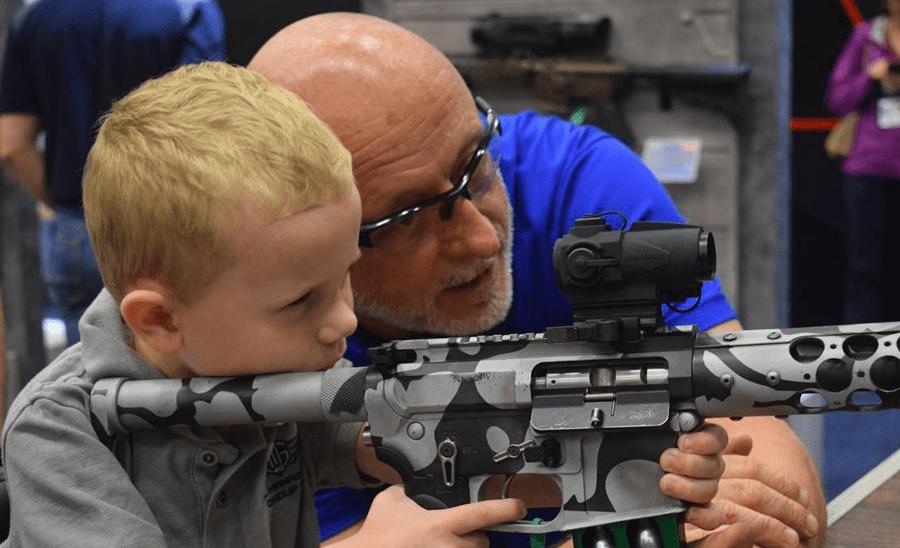 31957679 2184819261536093 2904483037058170880 o - Штат Вашингтон заборонив продаж напівавтоматичних штурмових гвинтівок особам, які не досягли 21 року - Заборона