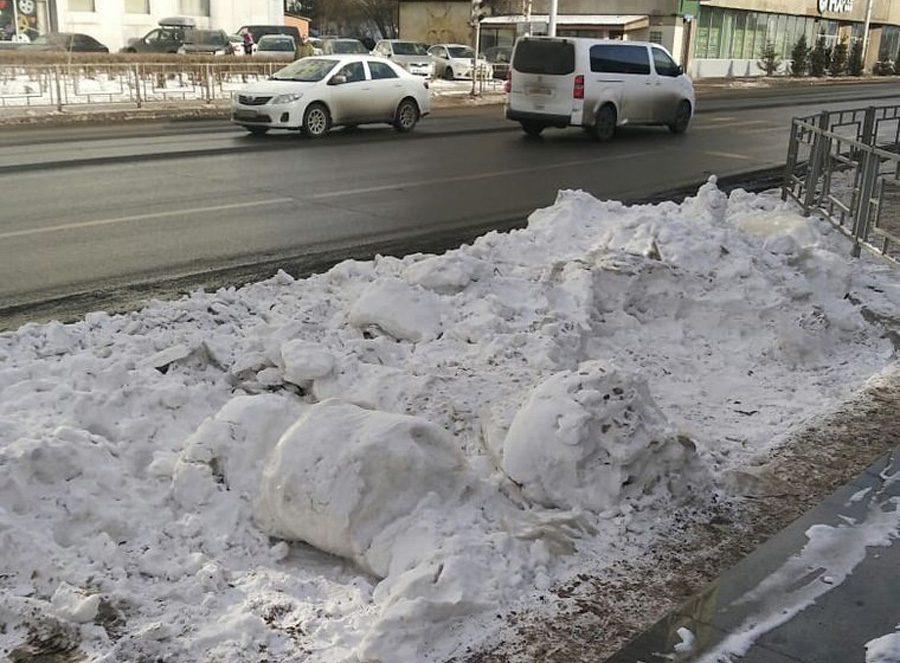 snow 1 - Пенсії від Гітлера, синтепоновий сніг для Путіна, небесні фалоси від нудьги, та інші ШЗХ тижня - Заборона
