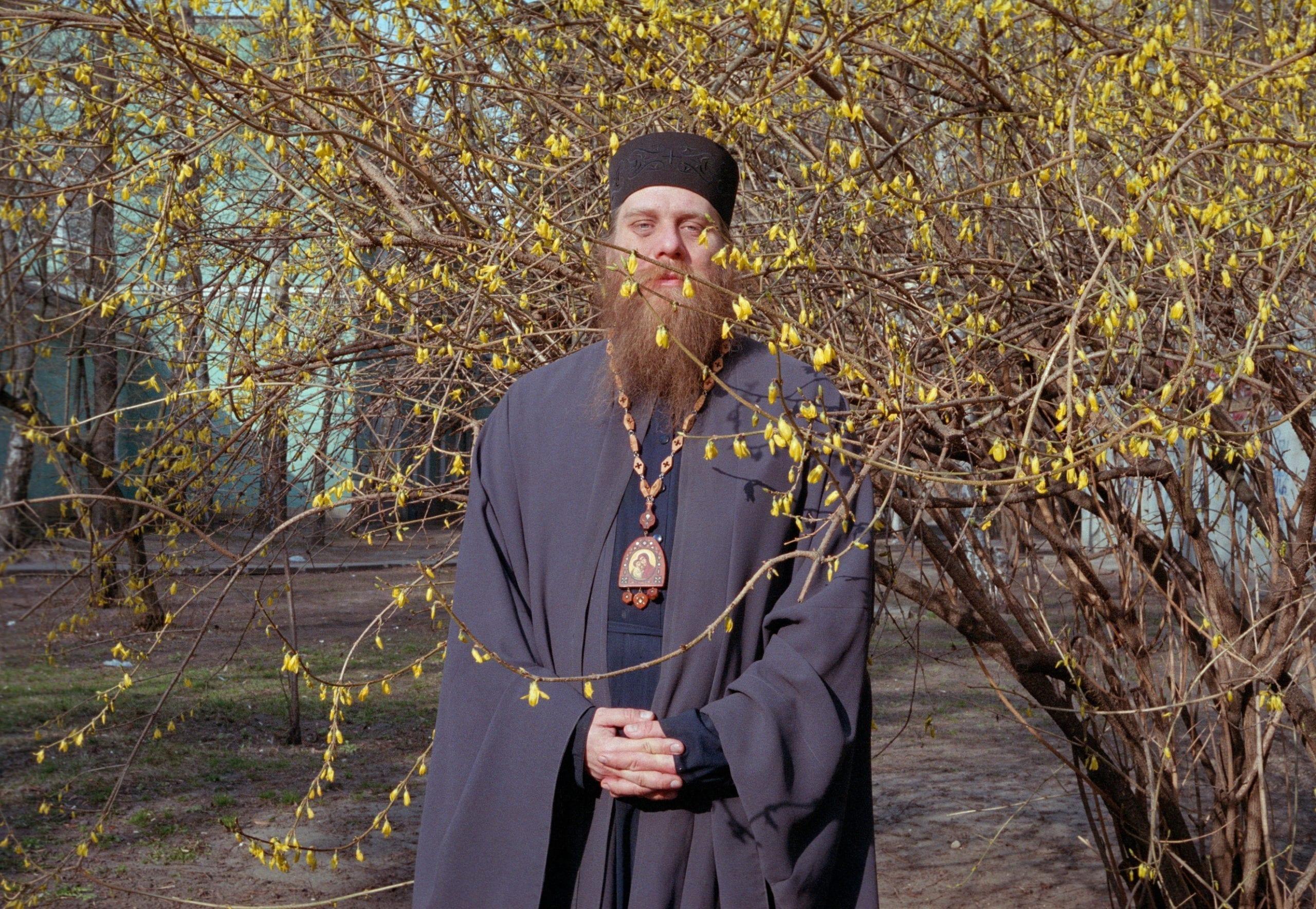 2020 04 07 0086 scaled - <b>Квир-священник.</b> История непризнанного киевского «епископа» – единственного в Украине священнослужителя, который открыто поддерживает геев - Заборона