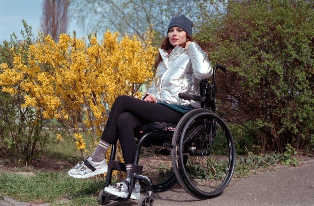 2020 04 22 0015 1 1024x674 - <b>Оксана Кононець впала з п'ятого поверху й не може ходити. </b>Тепер вона відома професійна модель – ось її історія - Заборона