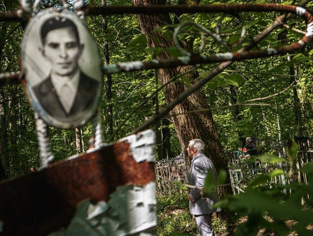 andrij lomakin 1024x772 - <b>В Украине проходят Гробки, когда люди устраивают трапезы на кладбищах.</b> Объясняем, что это за традиция - Заборона