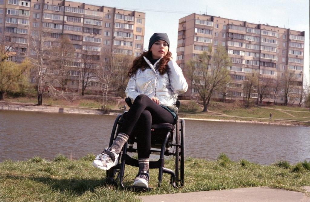 2020 04 22 0001 1024x669 - <b>Оксана Кононець впала з п'ятого поверху й не може ходити. </b>Тепер вона відома професійна модель – ось її історія - Заборона
