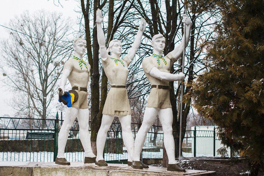 3 foto evgenyj  nykyforov - <b>«Не трогайте моего Ленина».</b> В чем проблемы декоммунизации и как их решать – рассказываем на примере памятника тачанке в Каховке - Заборона