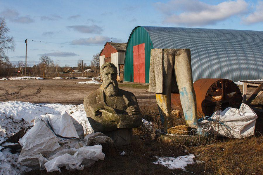 4 foto evgenyj nykyforov - <b>«Не трогайте моего Ленина».</b> В чем проблемы декоммунизации и как их решать – рассказываем на примере памятника тачанке в Каховке - Заборона