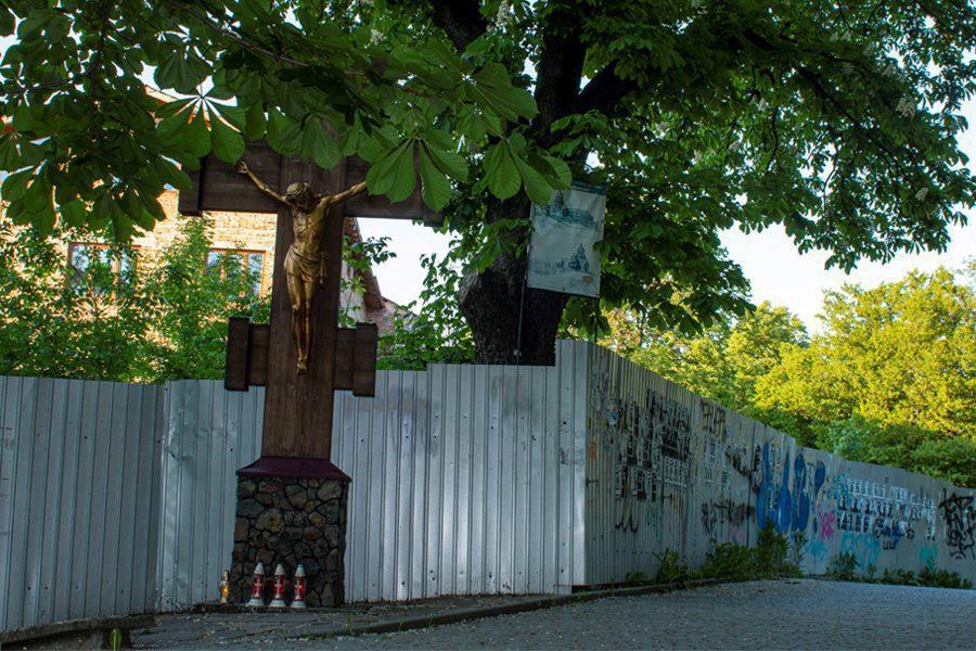 6 1 - <b>Марцинкив и его крест.</b> Репортаж Забороны о мэре Ивана-Франковска, который стал примером нетолерантности - Заборона