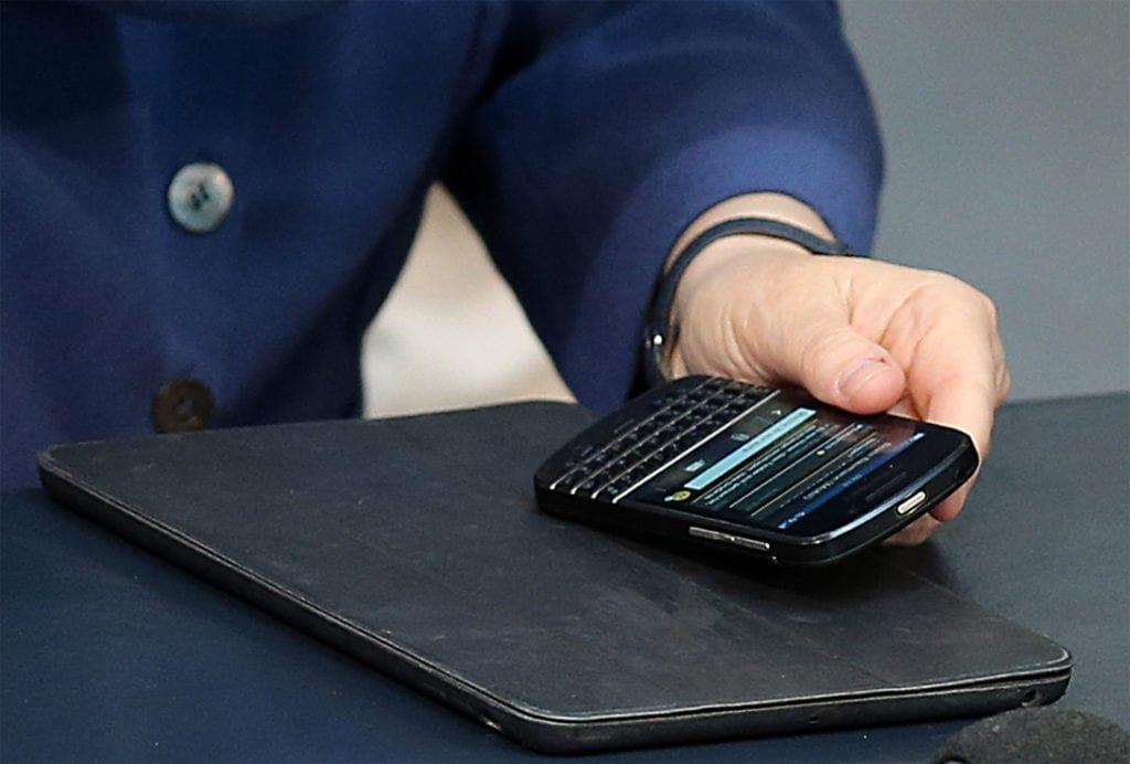 ill2 1024x692 - <b>Опасность государства в смартфоне.</b> Рассказываем об уязвимостях государственного цифрового проекта «Дия» - Заборона