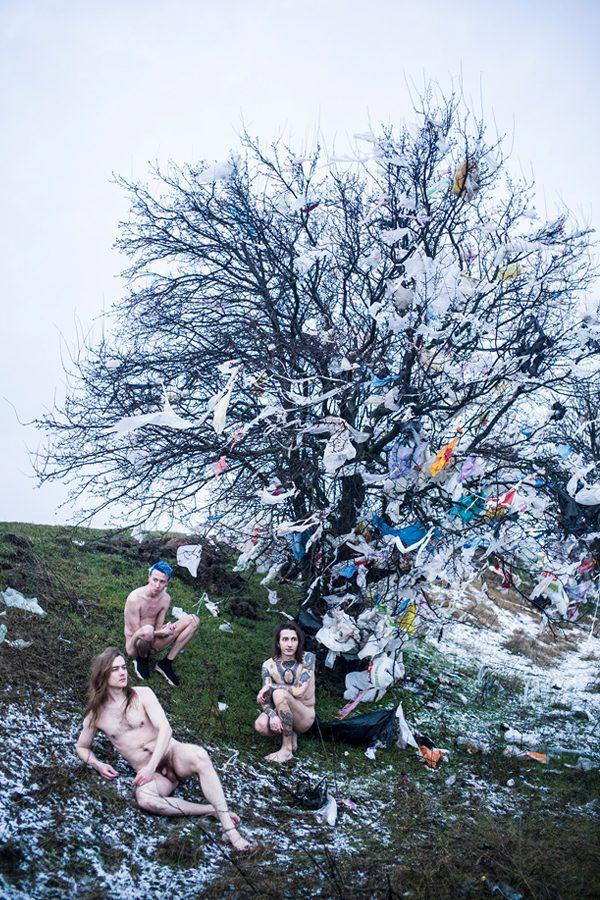 foto sergeya melnychenka young and free - <b>Тело, политика, эрос и танатос:</b> украинские художники и кураторы о телесности в искусстве - Заборона