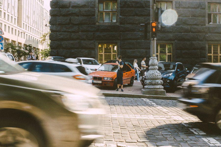 yanny mishchuk - <b>В Україні борються з заторами, будуючи нові розв'язки та широкі дороги.</b> Пояснюємо, чому насправді це не працює - Заборона