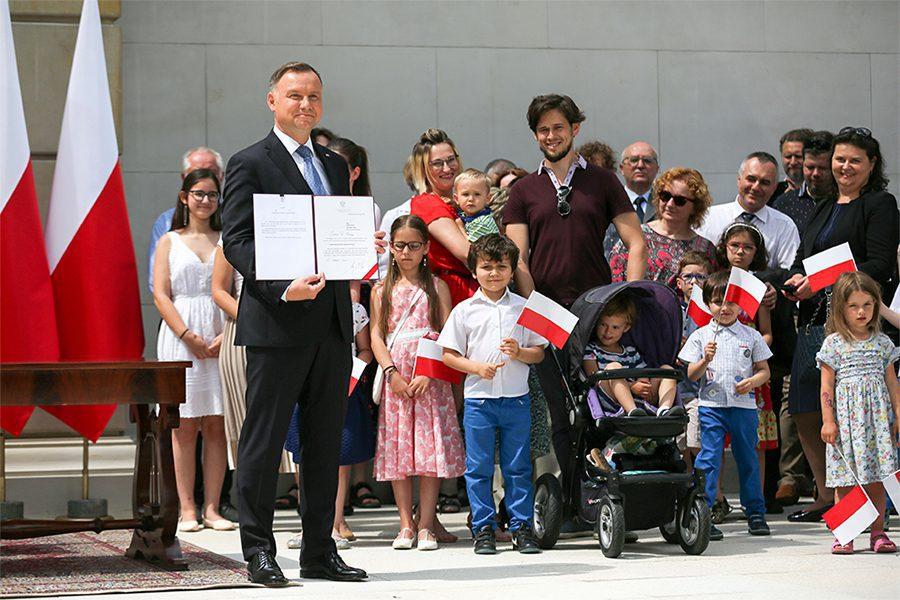 4the official website of the president of the republic of poland - <b>В Польше прошли президентские выборы</b>. В это время в стране прокатилась волна преступлений на почве ненависти - Заборона