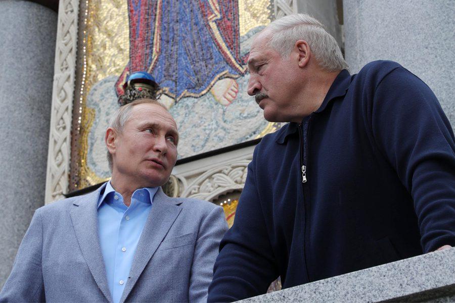 5 1 - <b>У Білорусі триває найжорсткіша президентська кампанія за всю історію незалежності</b>. Чому так і що далі – в репортажі Заборони - Заборона