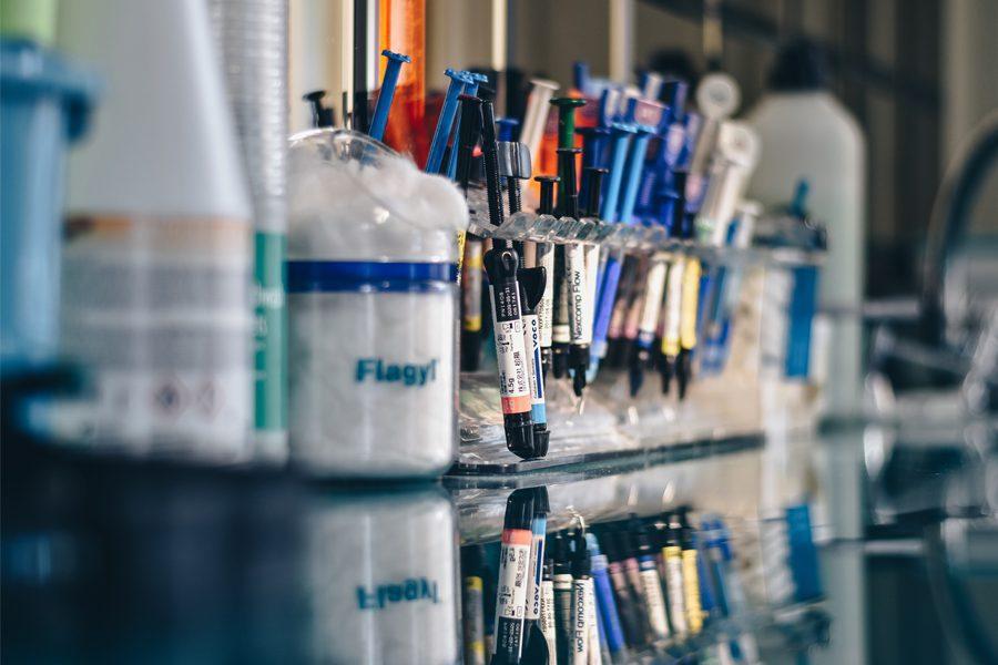 foto ibrahim boran - <b>Мы выбрасываем лекарства, а потом пьем их с водой.</b> Рассказываем, чем опасны бытовые медицинские отходы и что с ними делать - Заборона