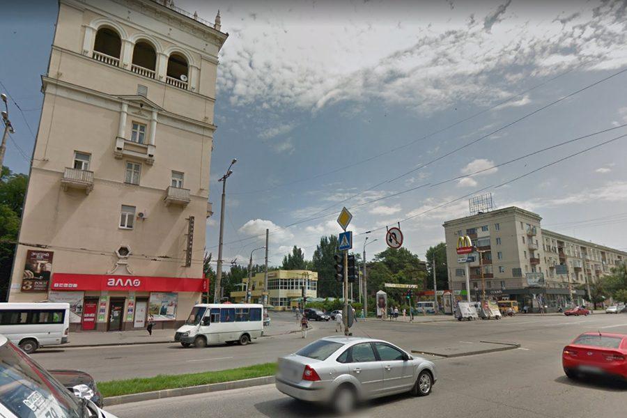 makdonalds v zaporozhe - <b>Запорожье, которого нет.</b> Заборона рассказывает, почему в индустриальном городе мало кто замечает уникальный архитектурный памятник - Заборона