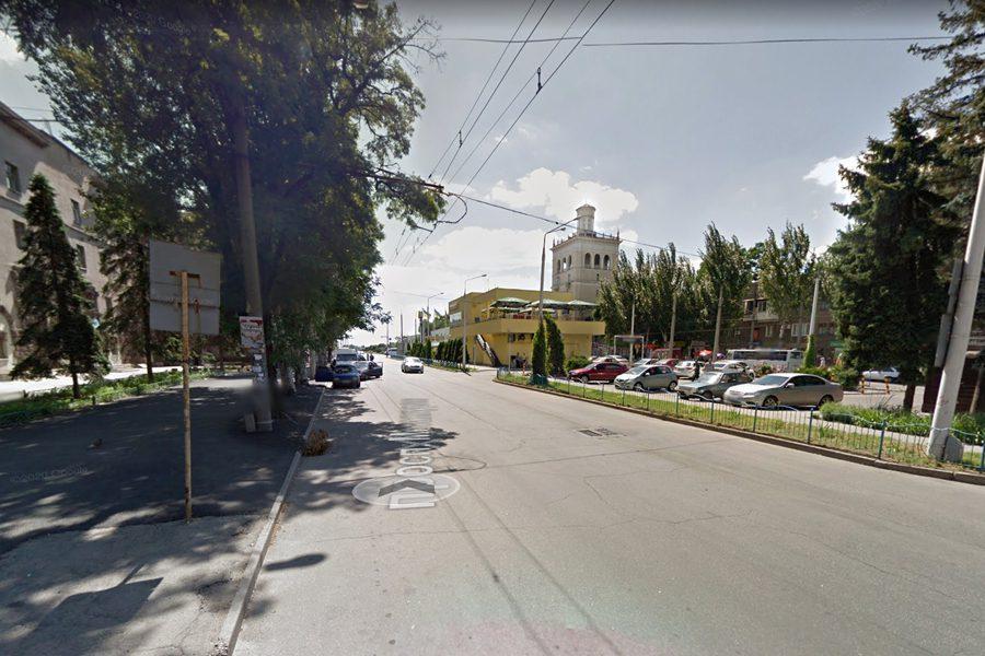 prospekt metallurgov - <b>Запорожье, которого нет.</b> Заборона рассказывает, почему в индустриальном городе мало кто замечает уникальный архитектурный памятник - Заборона