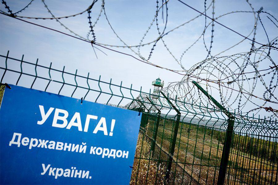 8 1 - <b>Стена на пустыре.</b> При строительстве защитных сооружений на границе снесли сотни археологических памятников - Заборона