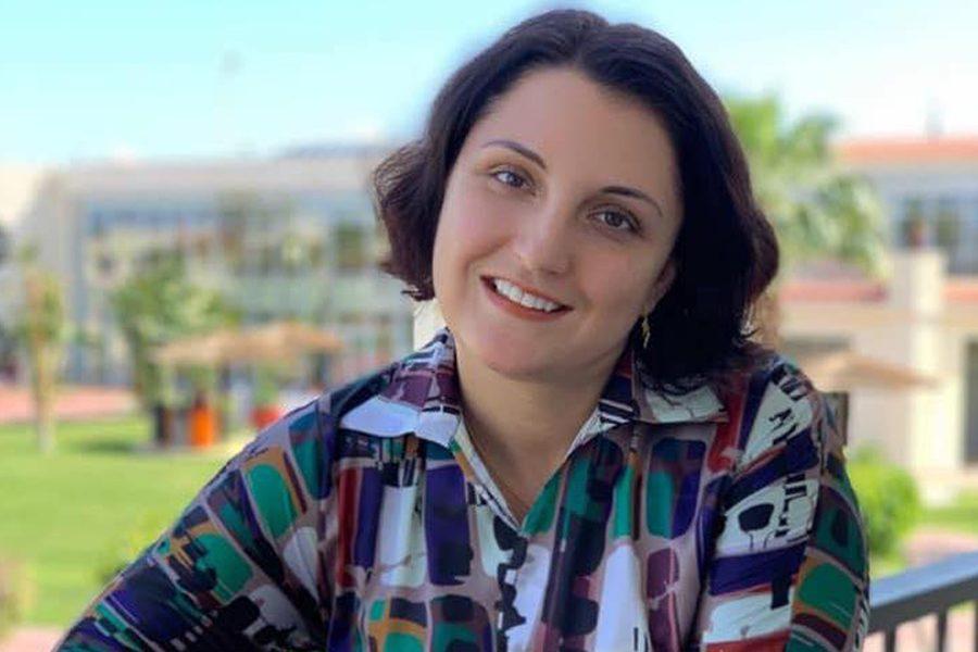 irina nazarova - <b>«Тебя трахнут под первой же лестницей».</b> Студенты КИМО обвиняют преподавательницу в буллинге, ее защитники говорят, что это такой стиль преподавания - Заборона