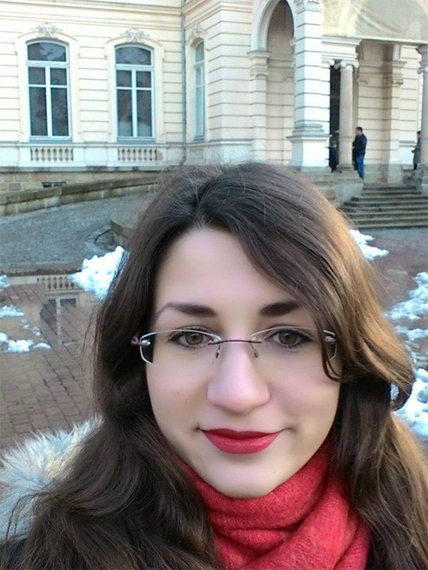 mariia muzychenko - <b>«Тебя трахнут под первой же лестницей».</b> Студенты КИМО обвиняют преподавательницу в буллинге, ее защитники говорят, что это такой стиль преподавания - Заборона
