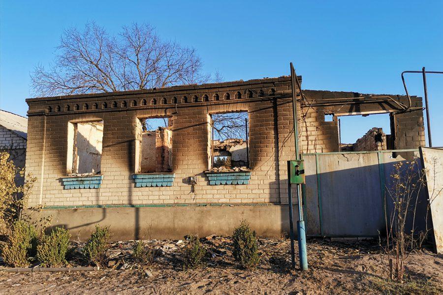 15 - <b>«Кому теперь нужна эта пустыня Сахара?»</b> В Луганской области горят леса и села, а волонтеры — тушат - Заборона