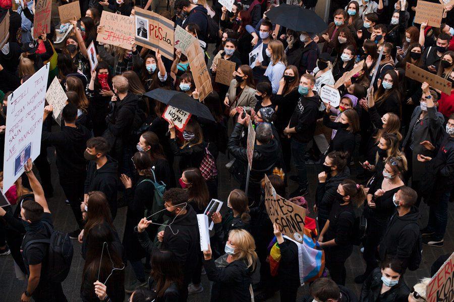 2 26 - <b>«Зйобуйте!».</b> Як у Польщі протестували проти заборони абортів — репортаж Заборони - Заборона