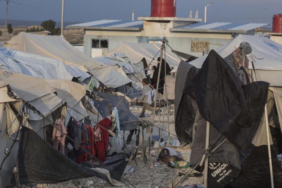 2 5 - <b>У сирійських таборах живуть десятки українок із дітьми, які втекли з ІДІЛ.</b> Вони роками чекають повернення на батьківщину, але їх не забирають - Заборона