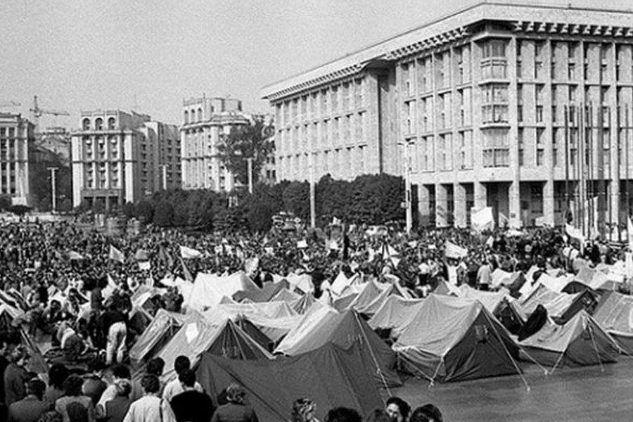20 1 - <b>Головний кітч країни.</b> Чому Майдан Незалежності виглядає так, як зараз — і чи можна щось з цим зробити - Заборона