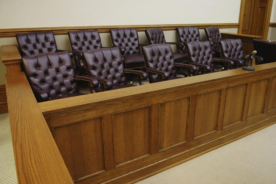 3 15 - <b>От дел о разводе до пожизненных приговоров.</b> Рассказываем, как работают суды присяжных в Украине и мире - Заборона