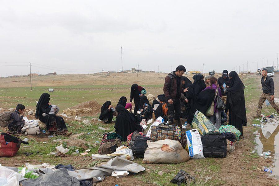4 4 - <b>У сирійських таборах живуть десятки українок із дітьми, які втекли з ІДІЛ.</b> Вони роками чекають повернення на батьківщину, але їх не забирають - Заборона