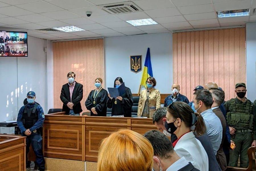 6 9 - <b>От дел о разводе до пожизненных приговоров.</b> Рассказываем, как работают суды присяжных в Украине и мире - Заборона